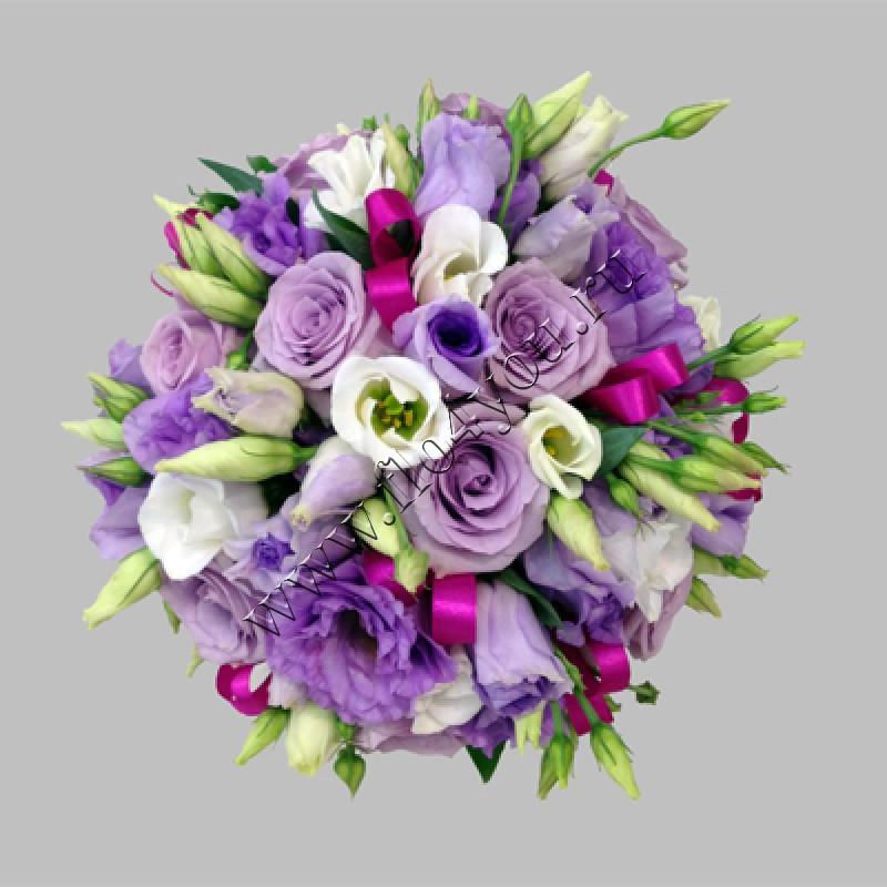 Композиции из живых цветов в корзине: обзор